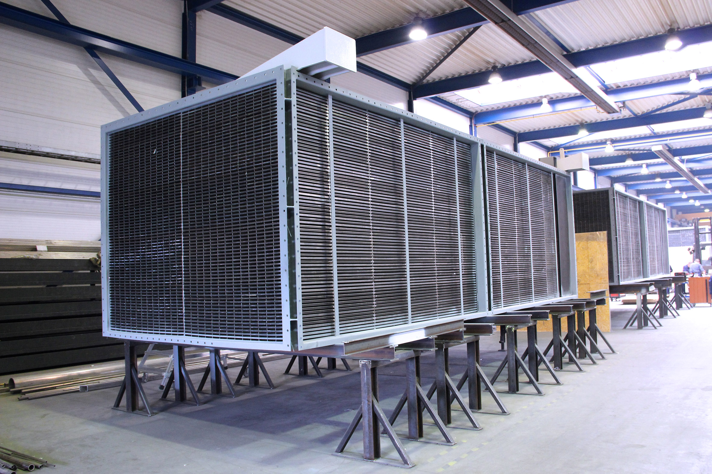 Air preheaters for a hydrocracker plant