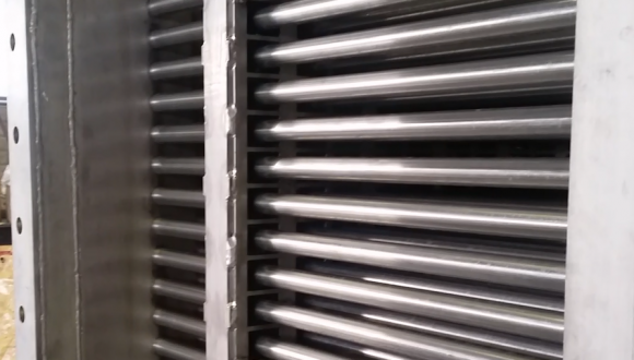 Fouling cleaning system for heat exchangers